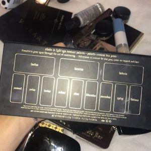 Kat Von D Makeup - KAT VON D SHADE LIGHT PALETTE